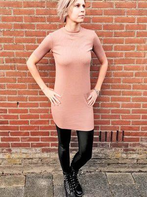 Poeder roze jurkje